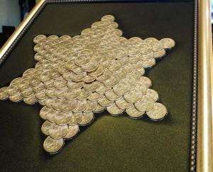картина из монет, звезда из монет
