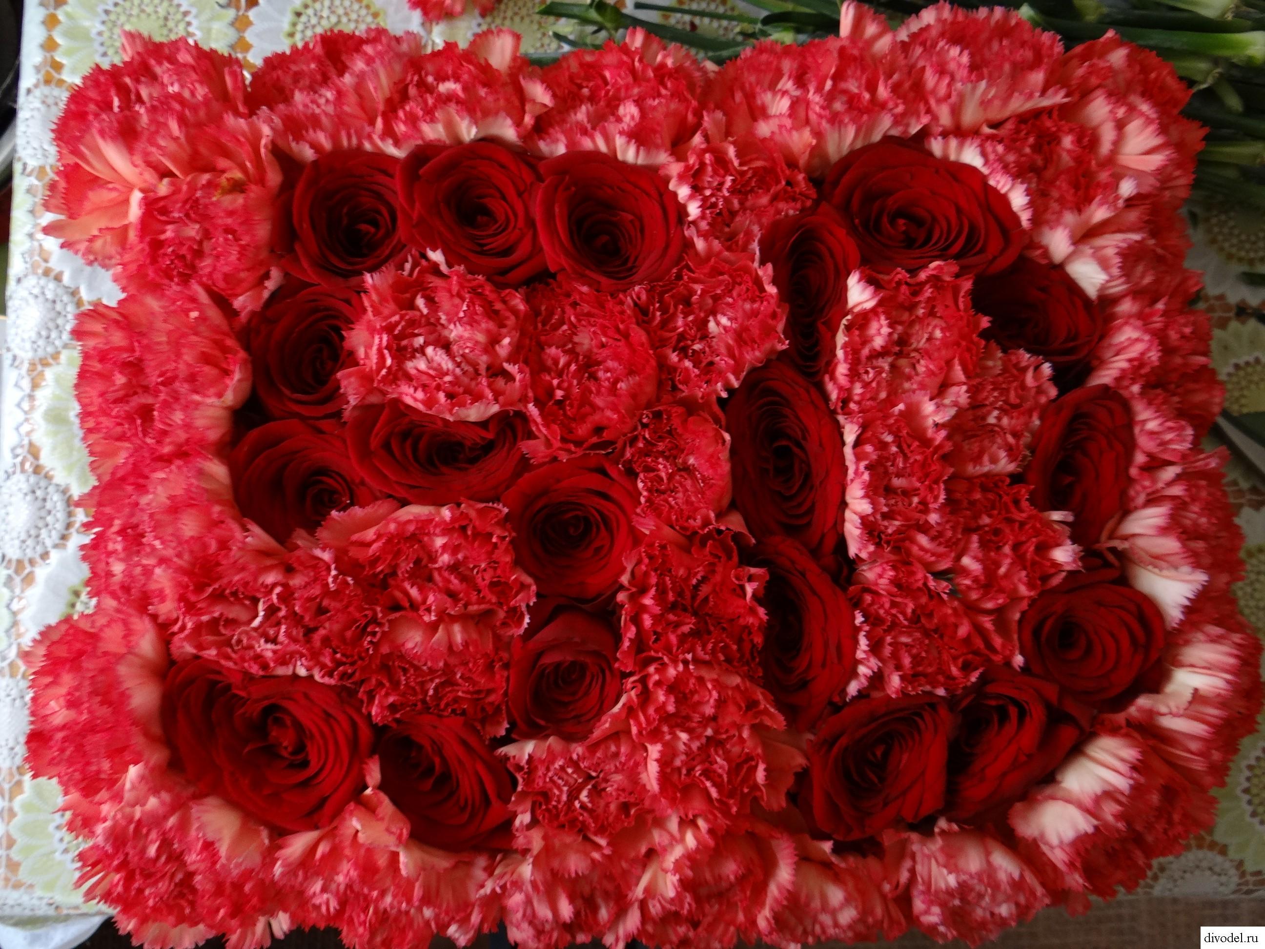 оригинальный подарок на юбилей: Подарок на юбилей 50 лет из цветов