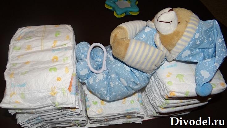 коляска из памперсов или торт из памперсов