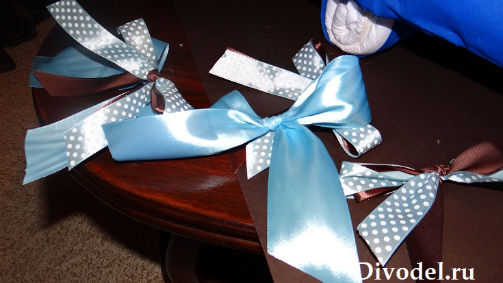 как сделать в подарок коляску из памперсов