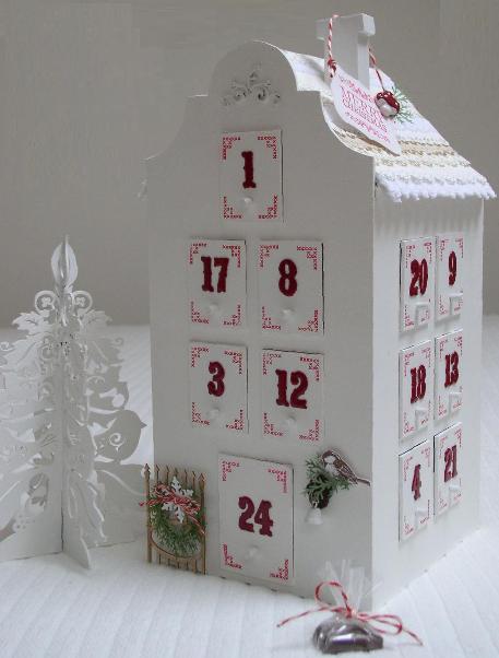 адвент календарь в форме домика