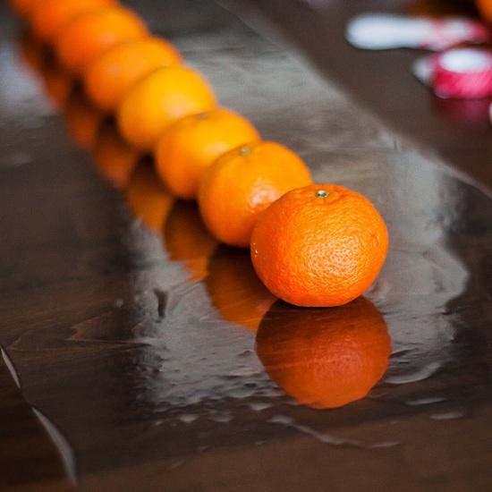 Венок из мандаринов своими руками, венок из мандаринов, мандариновый венок, оригинальный подарок на новый год