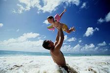 фото мужа с ребенком парят