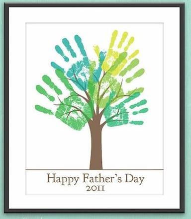 подарок бабушке или дедушке - дерево из отпечатков своими руками