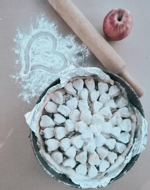 романтический завтрак, романтический завтрак на 14 февраля, завтрак на 14 февраля, завтрак для любимого, пирог с сердечками