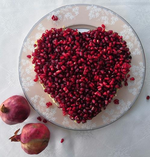 романтический завтрак, романтический завтрак на 14 февраля, завтрак на 14 февраля, завтрак для любимого, салат сердце, салат с гранатом сердце